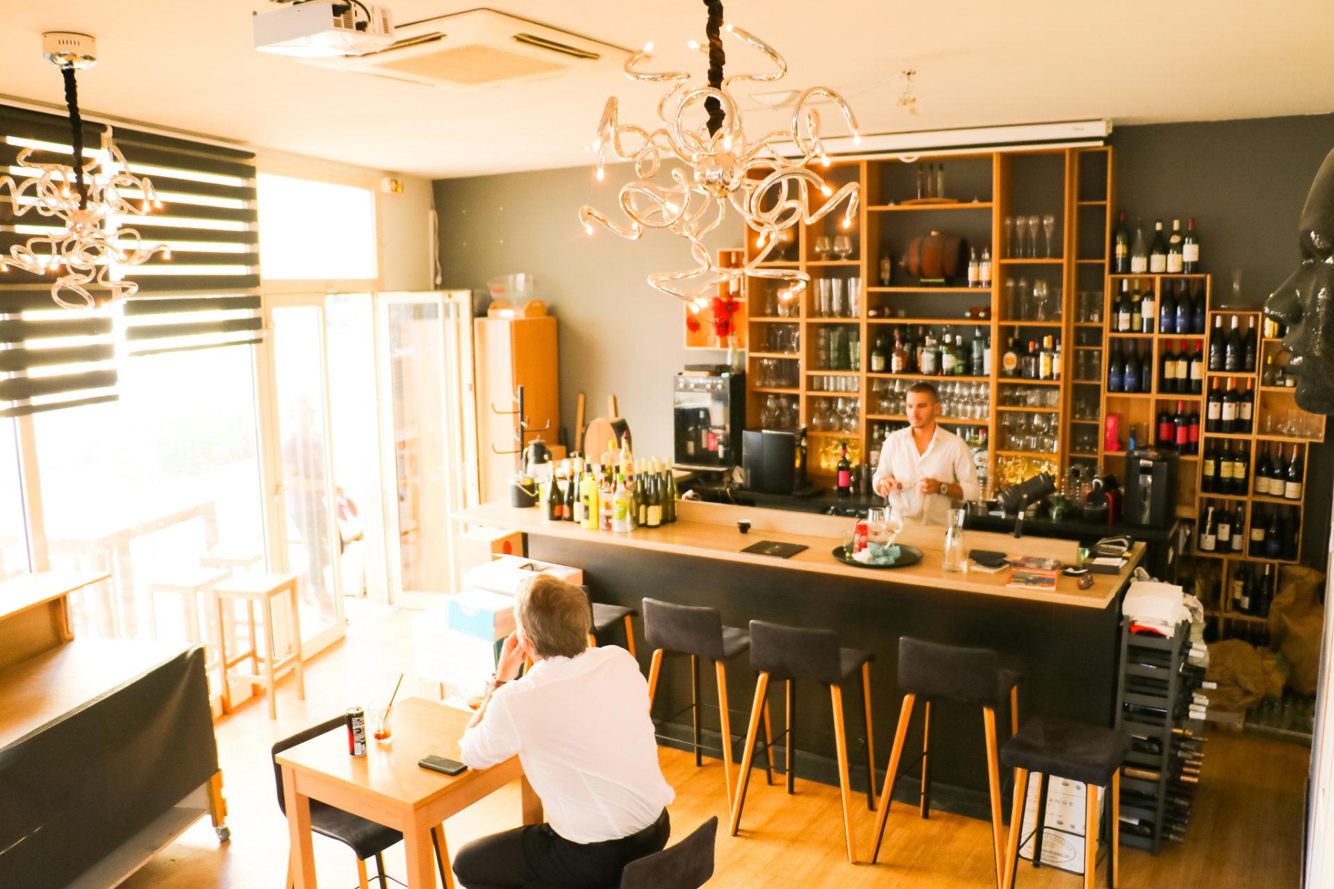 suite wine bar Juan les pins